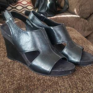 EUC Aerosoles Black Wedge Sandals